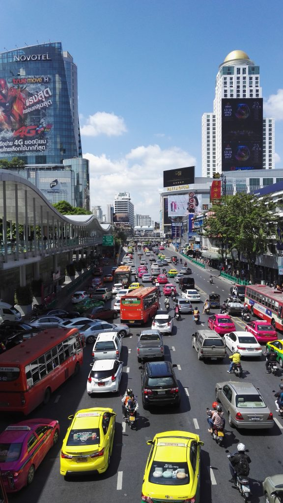 Some prefer big cities when choosing their TEFL course despite the congestion