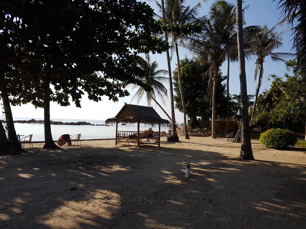 Samma Karuna is situated at Haad Chao Paow beach