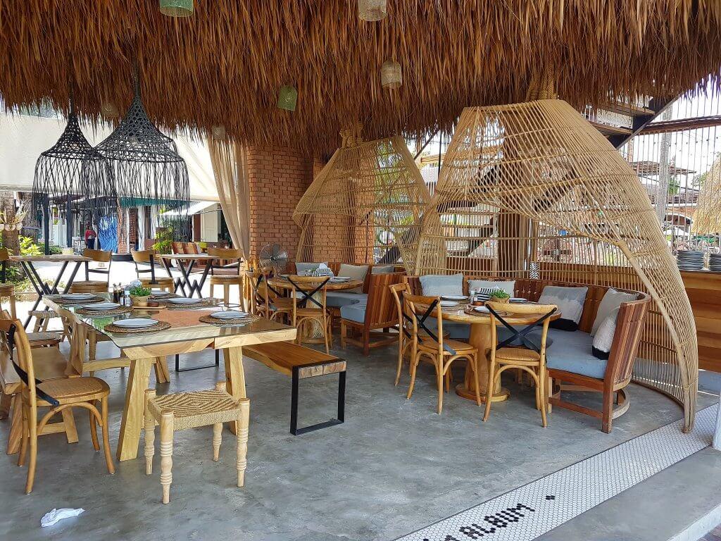 The Funkiest Fishermans Village Restaurants Hammock Stories
