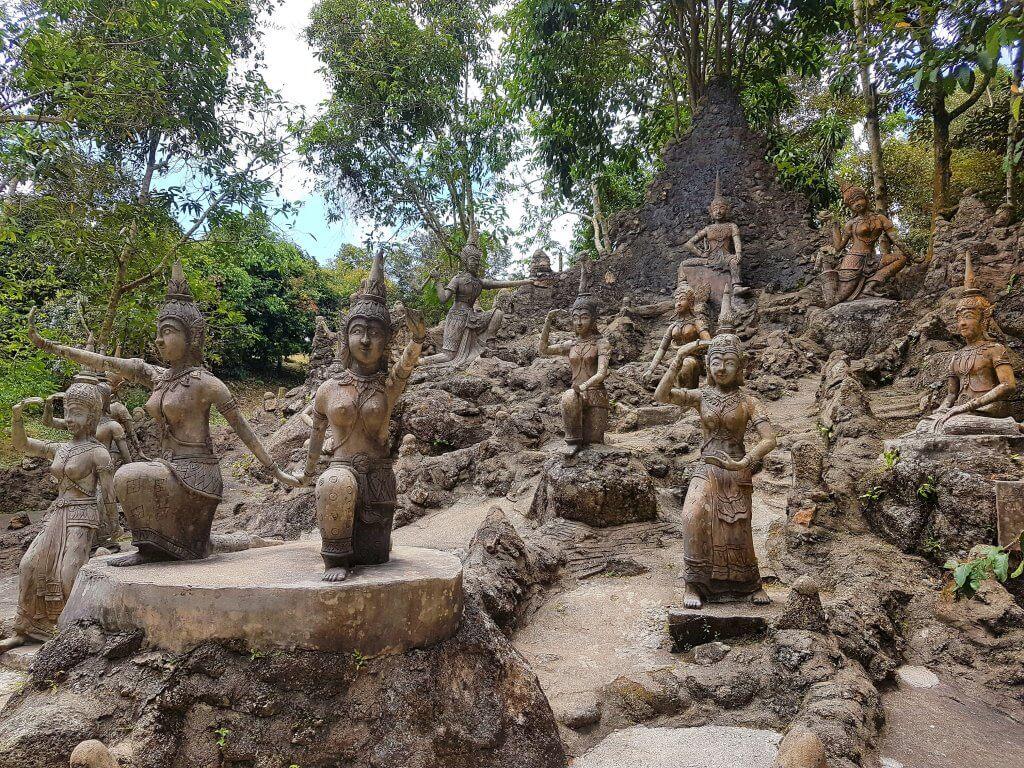 Magic garden sculptures