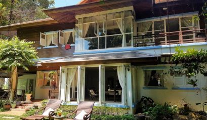 A Thai inspired grand manor villa