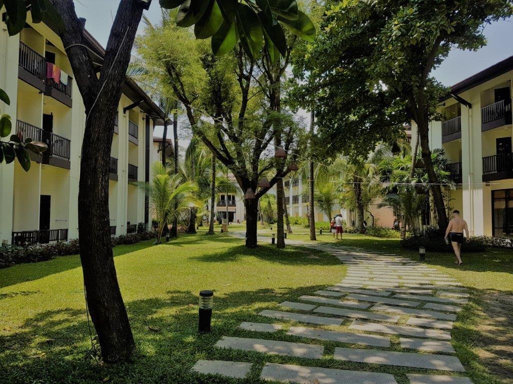 A garden setting courtyard at Ibis Bophut Koh Samui