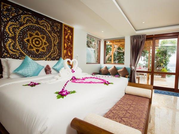 Sandalwood Luxury villas inside with Thai decor