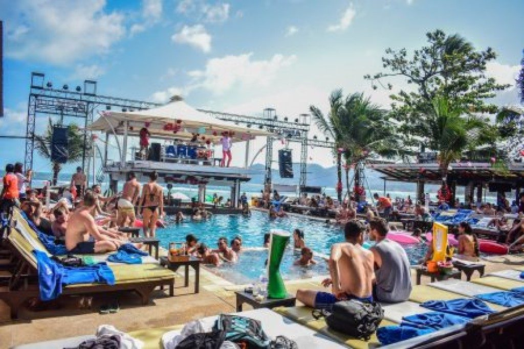 The Ark bar with its cool parties is one of the best places to stay on Koh Samui if you want to party